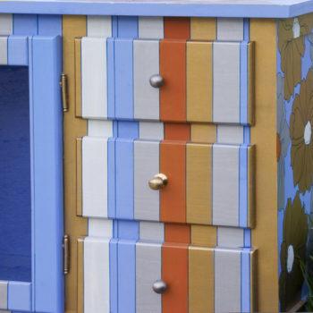_MG_5201 Azul y Naranja en medio de la hierba